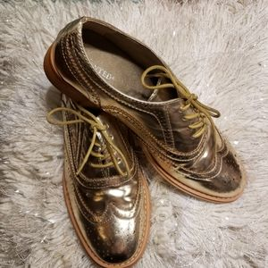 Gold Metallic  loafers!🌻